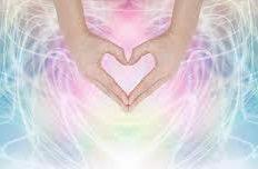 image main reiki mikao usui praticienne énergéticienne noellia chami séance de reiki usui initiation canalisation channeling énergie universelle de vie toulouse reiki lahochi