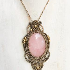 Collier en quartz rose micro-macramé énergie du coeur chakra