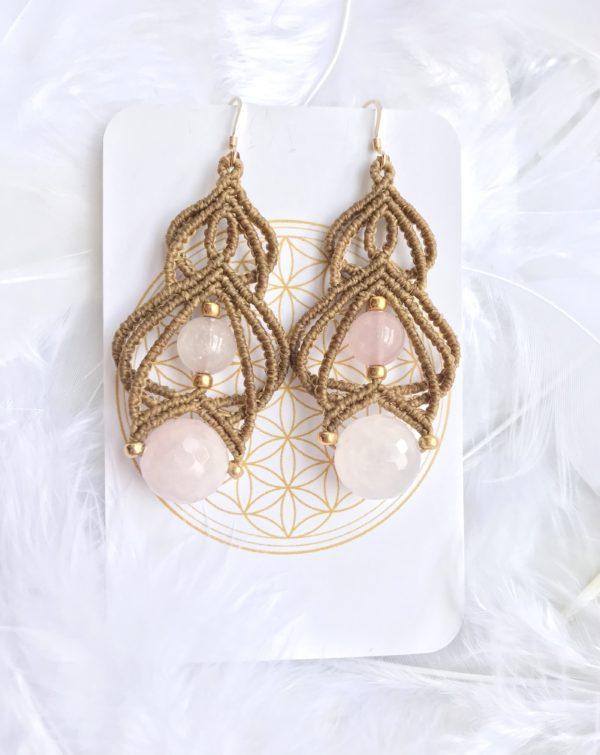 Boucles d'oreilles couleurs old gold et quartz rose chakra coeur lithothérapie ouverture du coeur