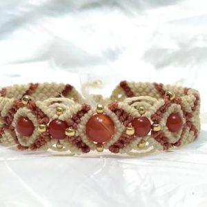 Bracelet cornaline féminité sacrée fertilité 1