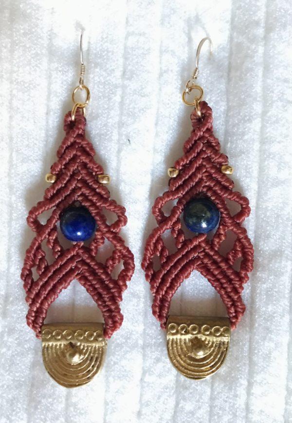 Boucles d'oreilles lapis lazuli lithothérapie intuition clarté clairvoyance créativité micro macramé